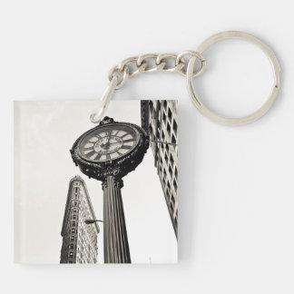 New York City - edificio y reloj de Flatiron Llavero Cuadrado Acrílico A Doble Cara