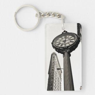 New York City - edificio y reloj de Flatiron Llavero Rectangular Acrílico A Una Cara