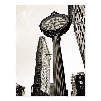 New York City - edificio y reloj de Flatiron Tarjetas Postales