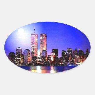 New York City en el pegatina del óvalo de la noche