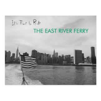New York City - monte el transbordador de East Riv Postal