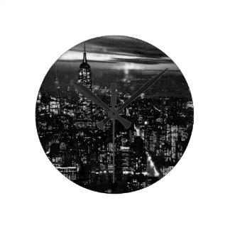 New York City negro y blanco Reloj Redondo Mediano