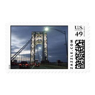New York City, puente del GW en la puesta del sol Sello