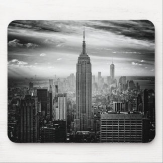 New York City skyline black and white Mouse Pad