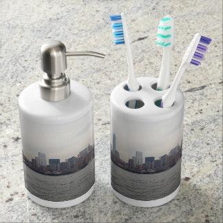 New York City skyline Soap Dispenser & Toothbrush