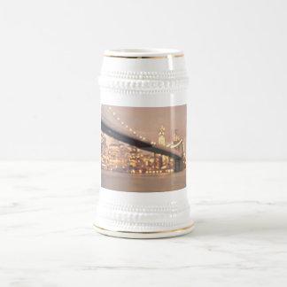 New York - Dreamy Bokeh Brooklyn Bridge 18 Oz Beer Stein
