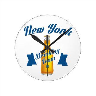 New York Drinking team Round Clock