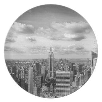 New York skyline in black and white Melamine Plate