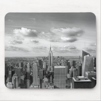 New York skyline in black and white Mouse Pad