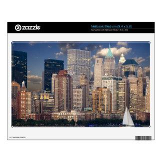 New York Skyline Manhattan Hudson Decal For Medium Netbook