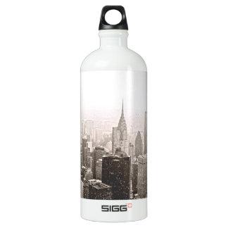 New York Snow Water Bottle