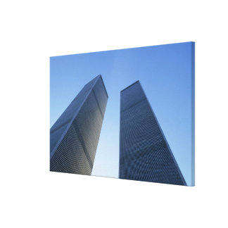 New York, USA. View up at twin towers of the Canvas Print