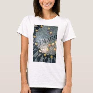 New York USAS Imagine Mosaic, Strawberry Fields Ce T-Shirt