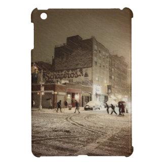 New York Winter - Snow in the City iPad Mini Case