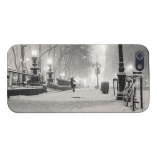 New York Winter - Snowy Night - Bryant Park Cover For iPhone SE/5/5s