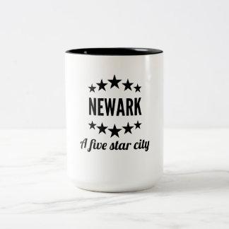 Newark cinco Star City Taza Dos Tonos