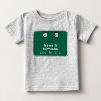 Newark, señal de tráfico de NJ Playera De Bebé