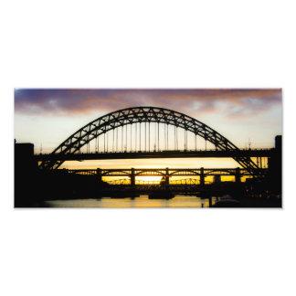Newcastle sobre la fotografía del puente de Tyne-T Cojinete