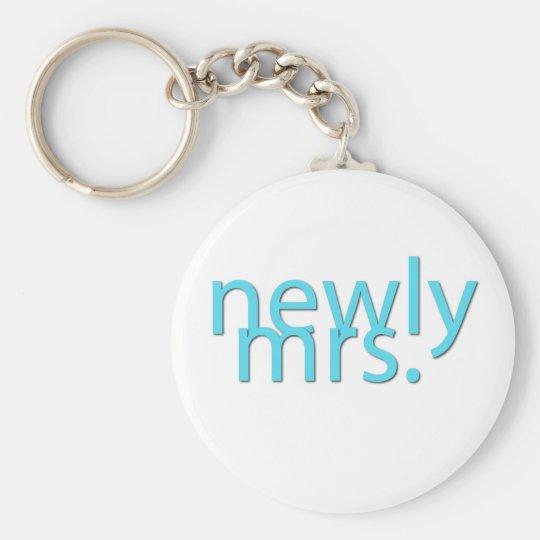 newly mrs / blue keychain