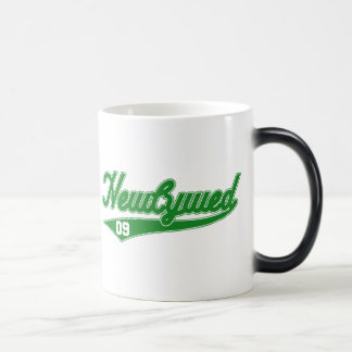 Newlywed '09 (Baseball Script Green) Magic Mug