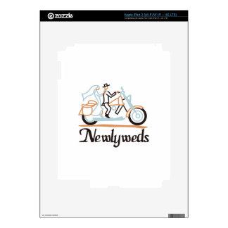 Newlyweds on Motorbike Skin For iPad 3