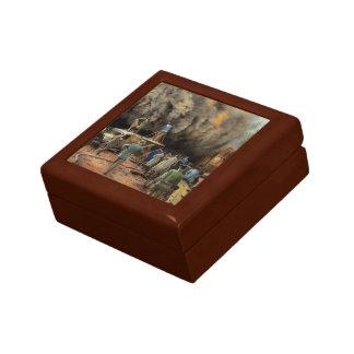 News Reporter - Metrotone News 1928 Gift Box