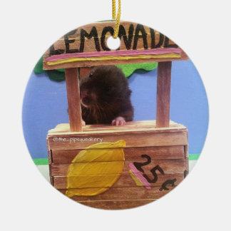 Newton quiere vender un poco de limonada adorno navideño redondo de cerámica