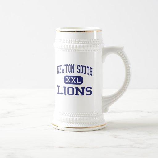 Newton South - Lions - High - Newton Massachusetts 18 Oz Beer Stein