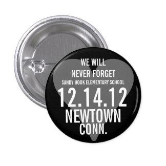 Newtown CT nunca olvidaremos el botón Pin Redondo De 1 Pulgada