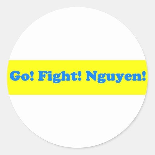 Nguyen Pegatinas Redondas