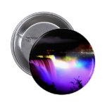 Niágara-Caída-debajo-reflector-en-noche Pin Redondo 5 Cm