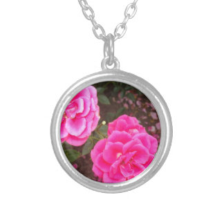 Nice Roses Round Pendant Necklace