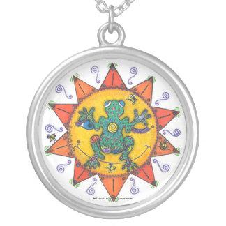 Nicely Noobeegin- Round Necklace