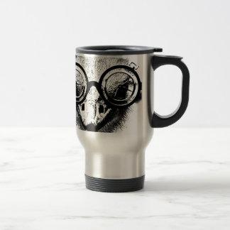 Nicolaus la avestruz en gráfico negro y blanco taza