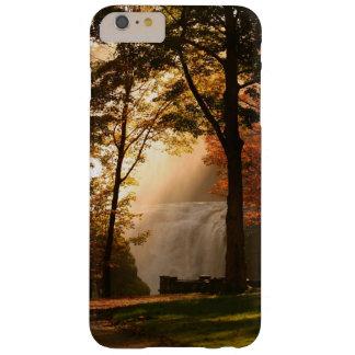 Niebla de la cascada de los otoños funda de iPhone 6 plus barely there