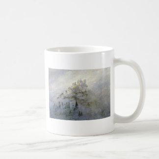 Niebla del invierno en las montañas 1808 tazas
