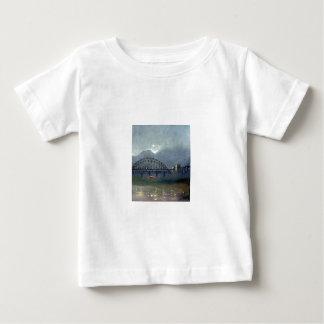 Niebla en la camiseta del niño de Tyne