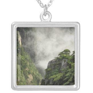 Niebla entre los picos y los valles del Gran Cañón Joyería