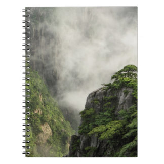 Niebla entre los picos y los valles del Gran Cañón Libro De Apuntes Con Espiral