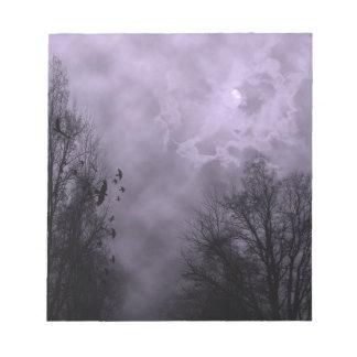 Niebla frecuentada de la púrpura del cielo bloc de notas