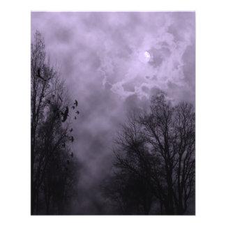 Niebla frecuentada de la púrpura del cielo tarjeton