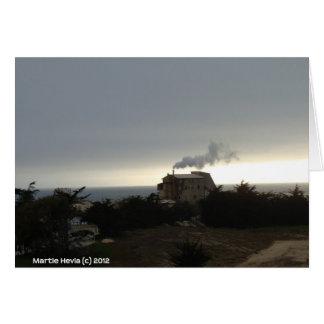 Niebla y humo costeros tarjeta pequeña