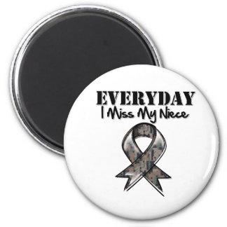 Niece - Everyday I Miss My Hero Military 2 Inch Round Magnet