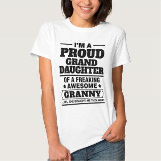 Nieta orgullosa de A Freaking la abuelita Camisas
