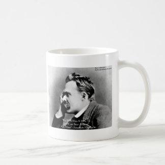 """Nietzsche """"porqué"""" regalos y tarjetas de la cita d taza básica blanca"""