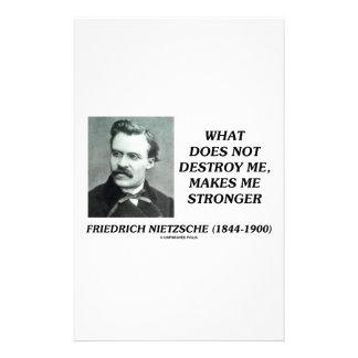 Nietzsche qué no me destruye hace más fuerte papeleria
