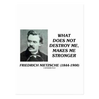 Nietzsche qué no me destruye hace más fuerte tarjetas postales