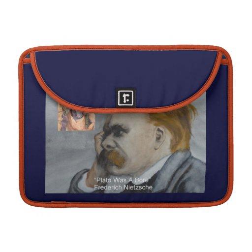 """Nietzsche y Platón """"Platón está agujereando"""" la ci Fundas Para Macbooks"""