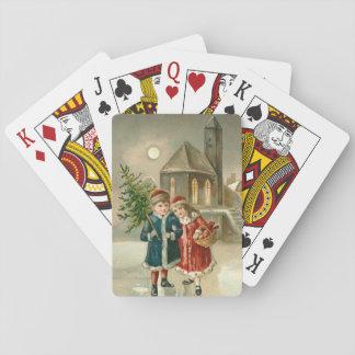 Nieve congelada iglesia de la charca del árbol de barajas de cartas