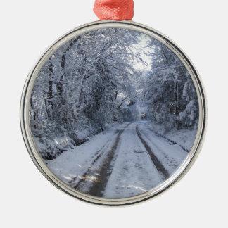 Nieve de la carretera nacional adorno navideño redondo de metal